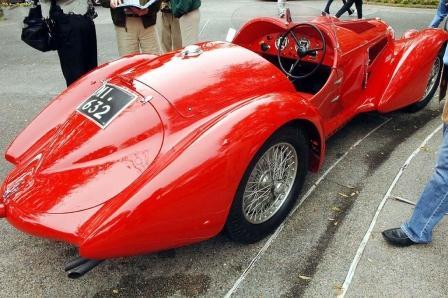 Багажник ретро автомобиля Альфа-Ромео