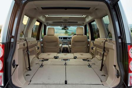 Вместительный багажник Land Rover Discovery 4