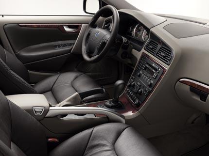 Водительское место Volvo XC70