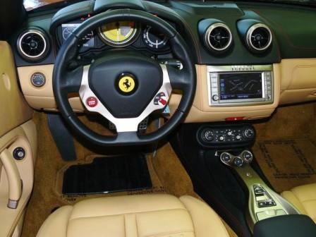 Водительское место Ferrari California