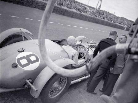 Заправка авто в гонке 24 часа Ле-Ман