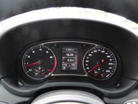 Панель Audi A1 купе