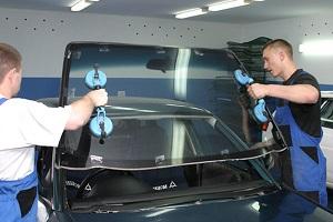 Как самостоятельно заменить лобовое стекло