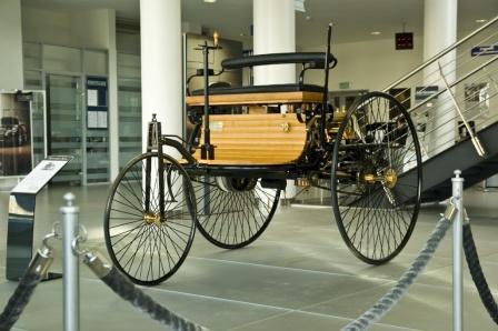 Самый первый автомобиль Мерседес-Бенц