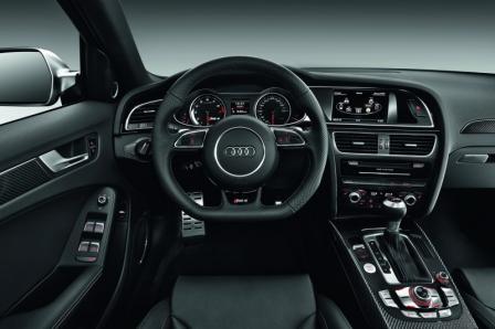 Салон Audi RS4