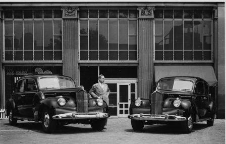 Два автомобиля Паккард