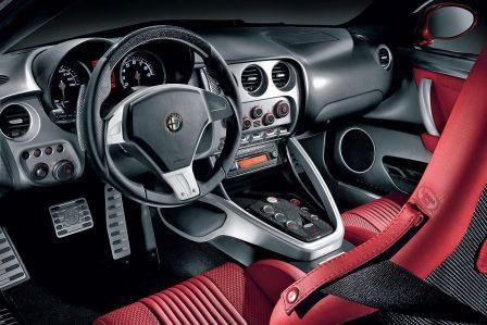 Салон Alfa Romeo 8C Competizione