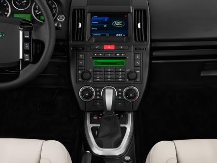Центральноя панель Land Rover Freelander 2