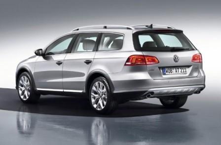 Volkswagen Passat Alltrack вид сзади