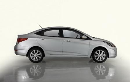 Hyundai Solaris вид сбоку