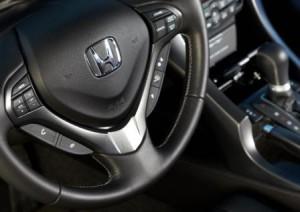 Автомобильный руль Honda