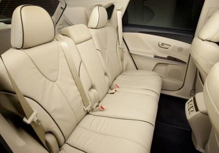 Задний ряд Toyota Venza 2013