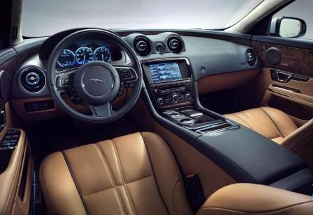 Салон Jaguar XJ 2013 года