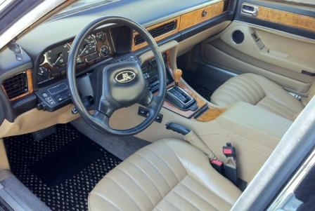 Салон Jaguar XJ40 1988 года