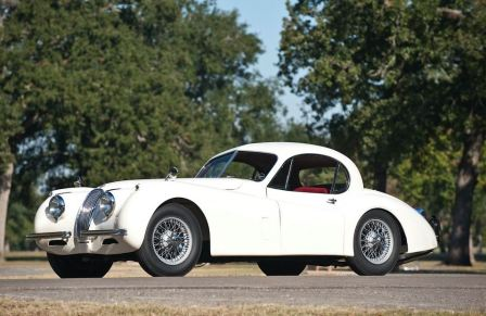 Белый Jaguar XK 120