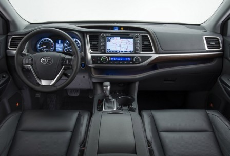 Салон Toyota Highlander (2)