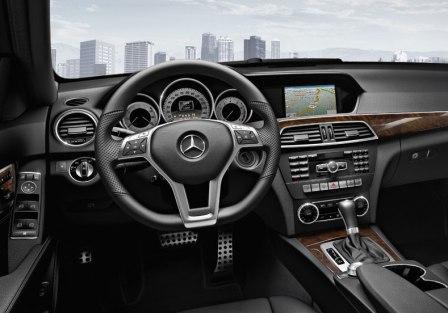 Водительское кресло Mercedes-Benz C250 sedan