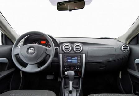 Салон Nissan Almera российской сборки