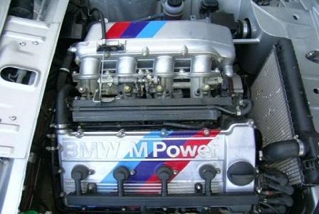 Двигатель BMW 2002 1968 года