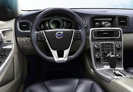 Салон Volvo V60 Plug-in Hybrid
