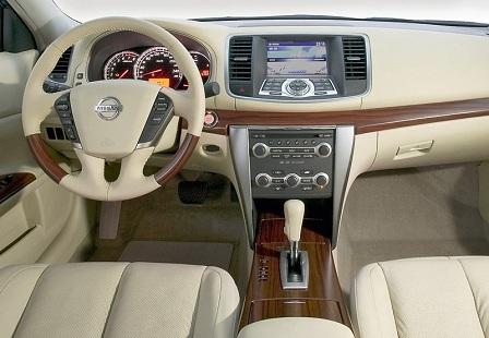 Салон Nissan Teana 2-го поколения
