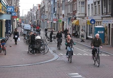 Велосипедисты в Амстердаме