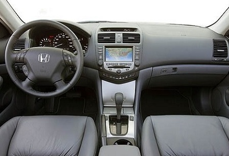 Салон Honda Accord 7-го поколения