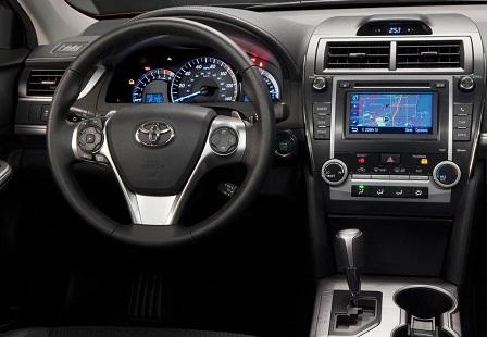 Салон Toyota Camry 2014 года