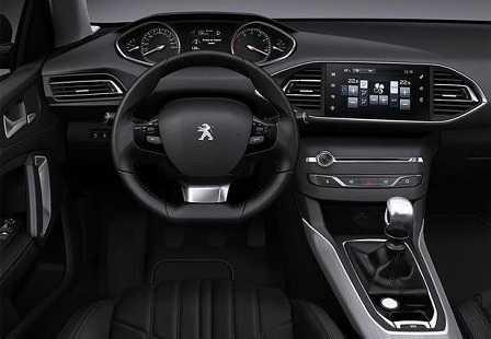 Салон Peugeot 308 2014 года