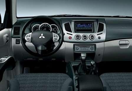 Салон Mitsubishi L200