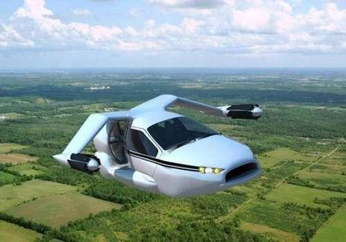 Летающий автомобиль в воздухе