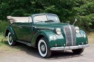 Ретро автомобиль Опель Адмирал 1938 года в кузове кабриолет