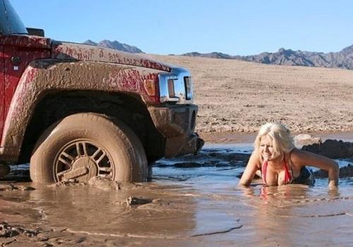 Застряла в грязи
