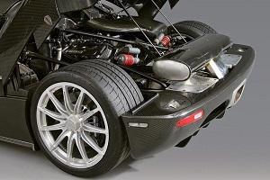 Расположение двигателя Koenigsegg CCR