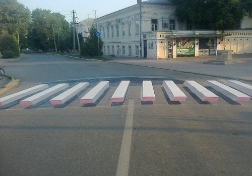 Трехмерная разметка пешеходного перехода