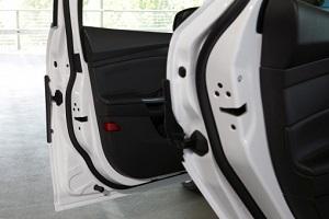 Автомобильные двери