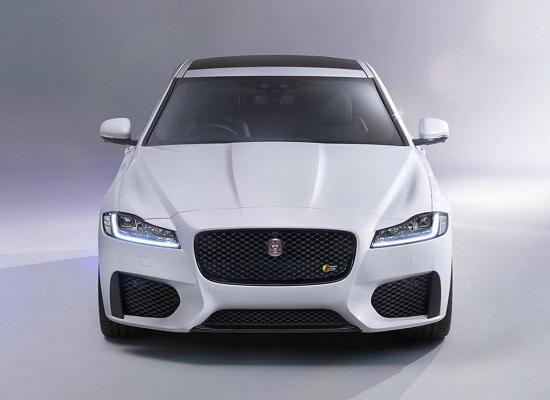 Седан Jaguar XF 2015 года