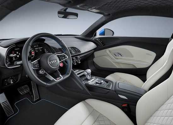 Салон Audi R8 2016