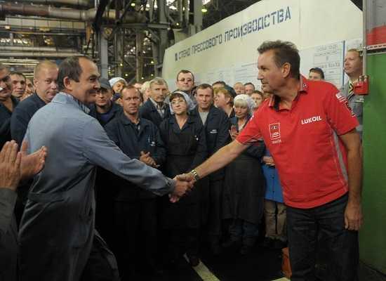 Бу Андерссон и рабочие завода АвтоВАЗ