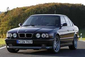 BMW M5 в кузове E32