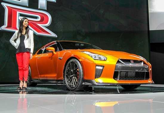 Nissan GT-R-Godzilla на Автосалоне в Нью-Йорке 2016
