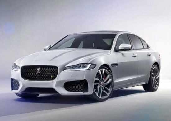 Седан Jaguar XF 2016 года