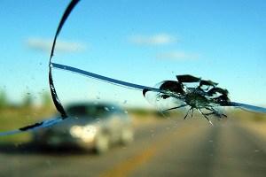 Трещина на лобовом стекле