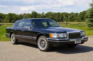 lincoln-town-car-1990-goda