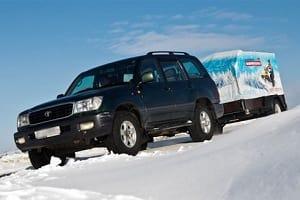 avtomobilnyj-pricep-zimoj_Автомобильный прицеп зимой