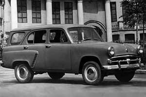 Ретро автомобиль Москвич 432 фургон