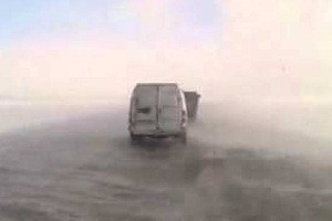 Проблемы с автомобилем на зимней дороге