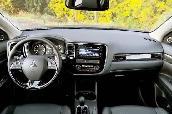 Интерьер Mitsubishi Outlander GT
