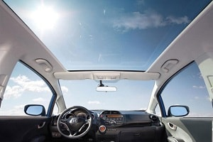 Панорамная крыша в автомобиле