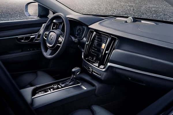 Салон Volvo V90 Cross Country 2017 года